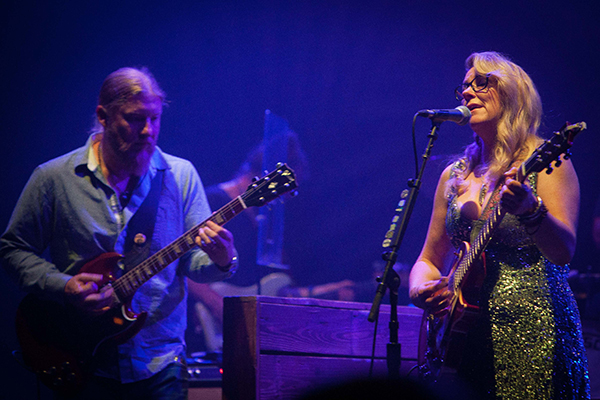 Tedeschi Trucks Band. Photo by Joanna Kleine.