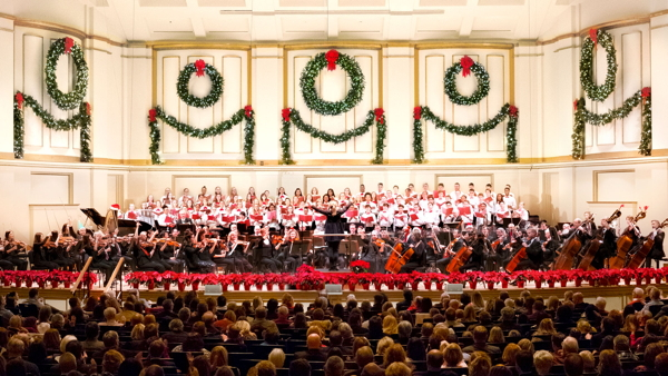 The St. Louis Symphony Orchestra and Holiday Festival Chorus. Photo courtesy of the SLSO.