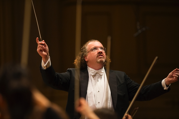 Stéphane Denève conducting. Photo courtesy of SLSO.