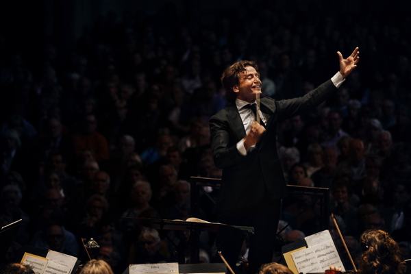 Conductor Gustavo Gimeno Photo by Anne Dokter