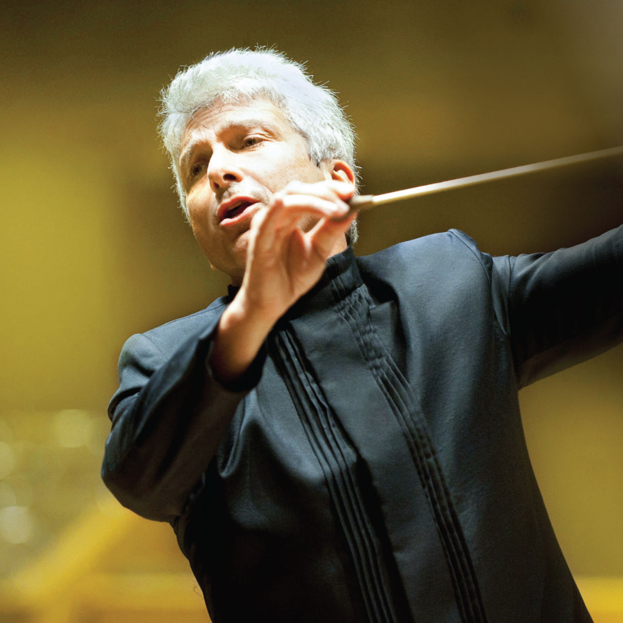 Conductor Peter Oundjian. Photo courtesy of St. Louis Symphony Orchestra