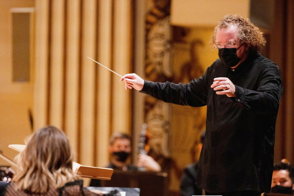 Stéphane Denève conducts the physically-distanced SLSO. Photo by Dilip Vishwanat