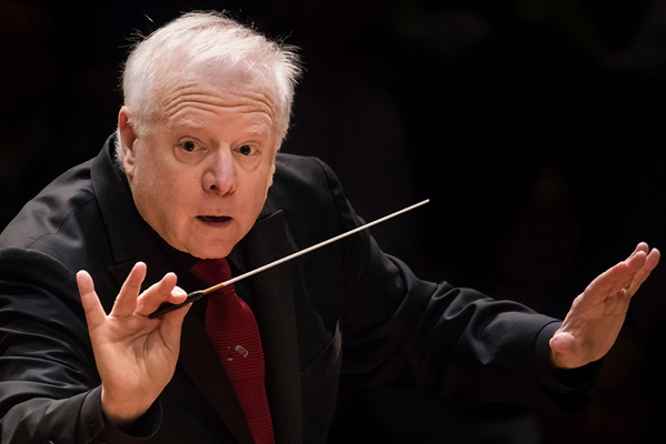 Leonard Slatkin conducting. Photo by Lewel Li.