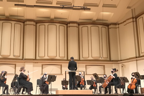 Stephanie Childress prepares to conduct the SLSO strings