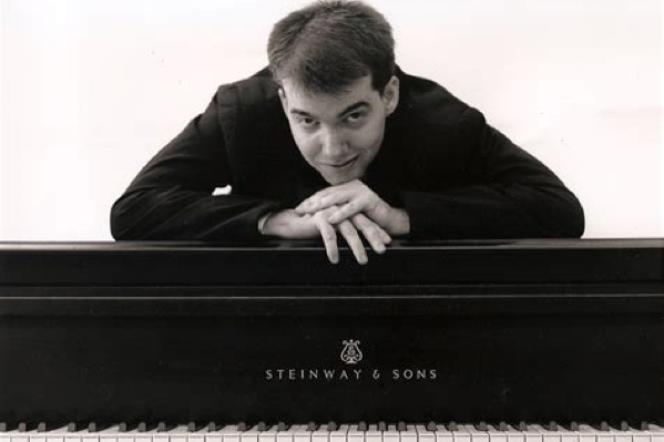 Pianist Timothy Jansen