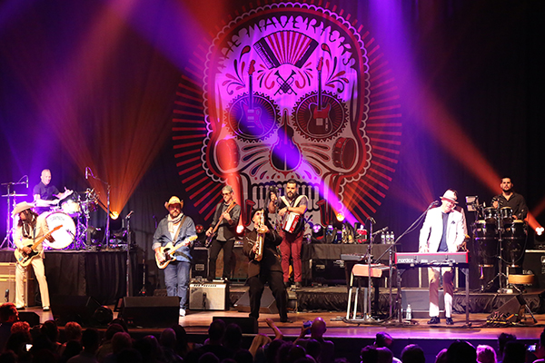The Mavericks perform at The Pageant, June 7, 2018. Photos by Bill Motchan.